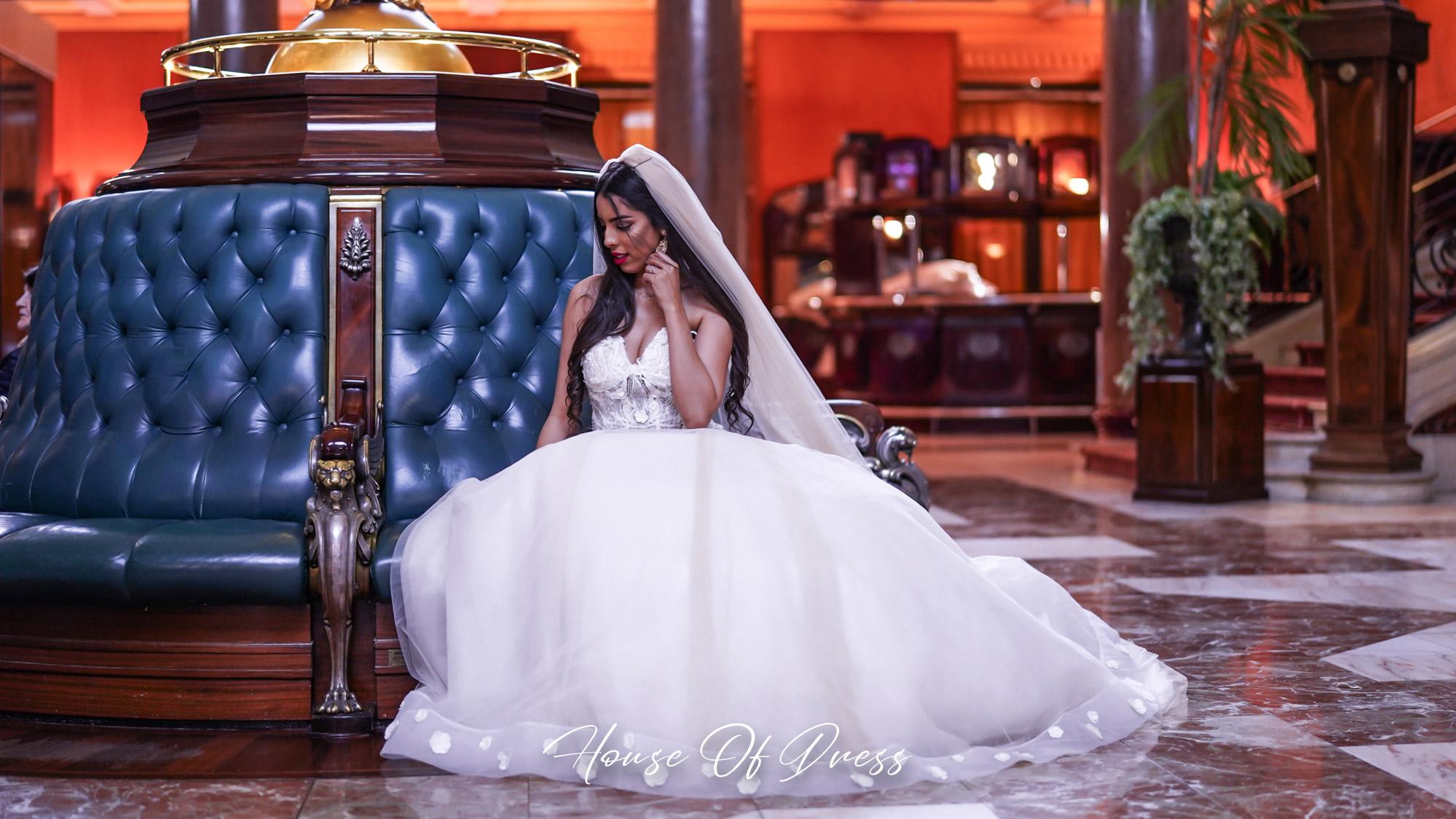 Moment magique au Casino d'Aix les Bains, Robe de mariée